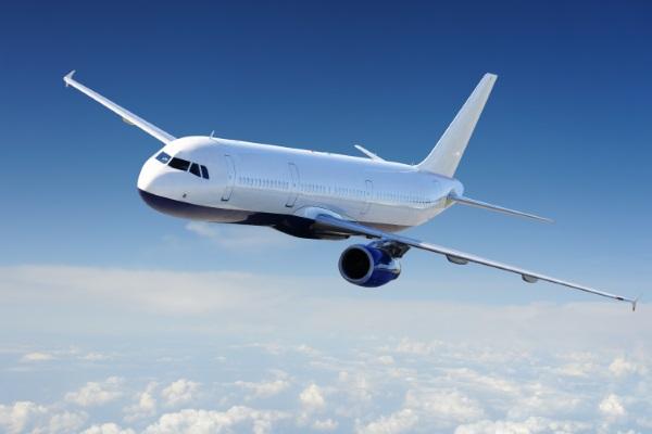 plane-600x400